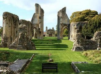 Glastonbury, dove si formano le sacerdotesse della Pachamama