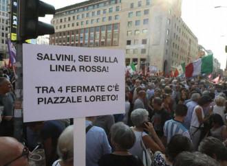 """Dito medio contro Salvini. Adesso odiare è """"un diritto"""""""