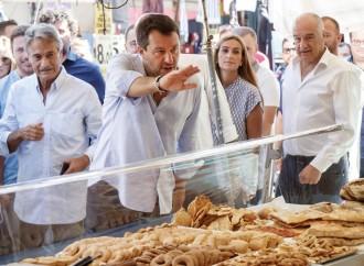 Matteo Salvini ed Enrico Michetti in campagna elettorale a Roma
