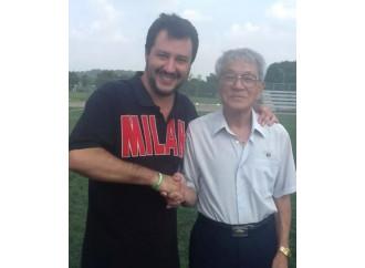 Salvini entusiasta del comunismo fuori tempo massimo