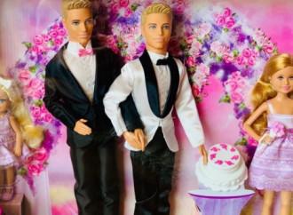 """""""Barbie/Ken sposi"""" dello stesso sesso"""