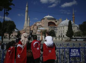 Due islam si scontrano sulle chiese e su Santa Sofia