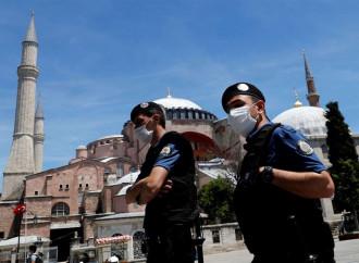 Basilica, moschea o museo: il difficile ruolo di Santa Sofia