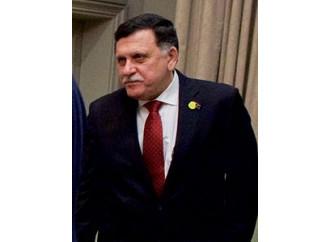 Libia, Sarraj lancia la lotta agli scafisti. Approfittiamone
