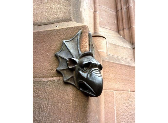 Gargouille di una chiesa francese