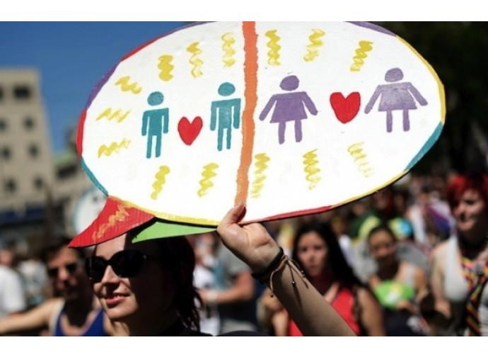 L'Europa ci vuole imporre i matrimoni gay