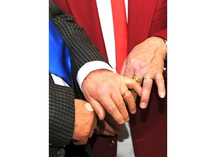Le nozze gay entrano in chiesa