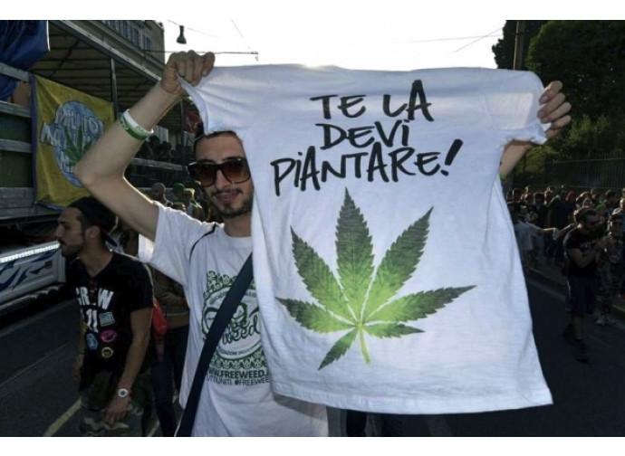 Manifestazione a favore della legalizzazione della cannabis