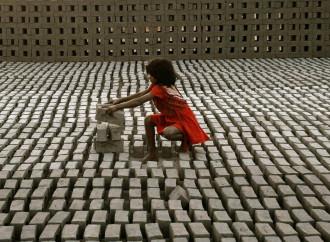 Nuovi schiavi: uno su quattro è un bambino