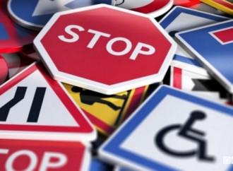 Neo Codice della strada: no a pubblicità discriminatorie
