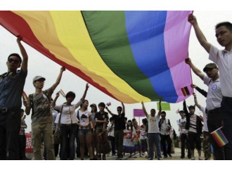 La Curia si arrende  alle Sentinelle di  Repubblica. Dopo  le scuse chi si opporrà  alla dittatura gay?