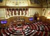 Francia, avanza la legge che cancella il padre
