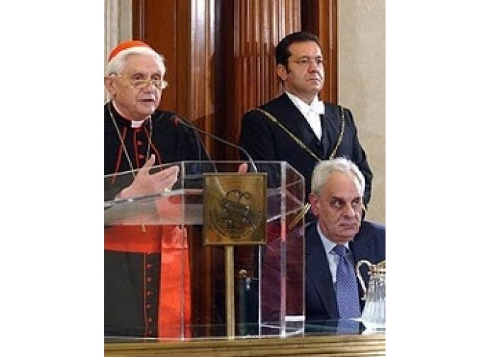 L'allora card Ratzinger in Senato nel 2004