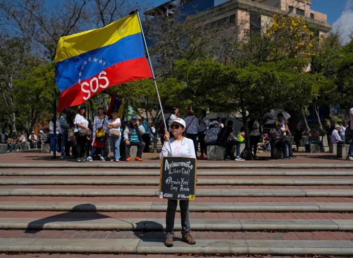 Venezuela, la bandiera dell'SOS