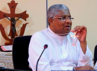 Nello Sri Lanka dei monaci buddisti hanno aggredito uno studente metodista inerme