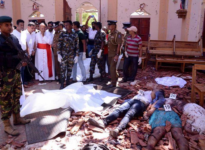 sri-lanka-attentati-large CAVALIERENEWS.IT - NON E' POLITICAMENTE CORRETTO AFFERMARE CHE I RESPONSABILI DELLE STRAGI SONO ISLAMISTI E I CRISTIANI LE VITTIME