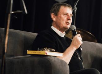 """""""Cambiamento galileiano"""" della Chiesa sull'omosessualità secondo il vescovo Lowe"""