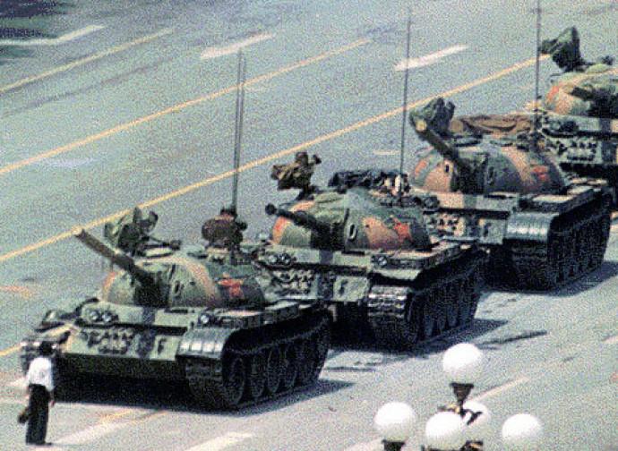 L'immagine simbolo del massacro di Tienanmen