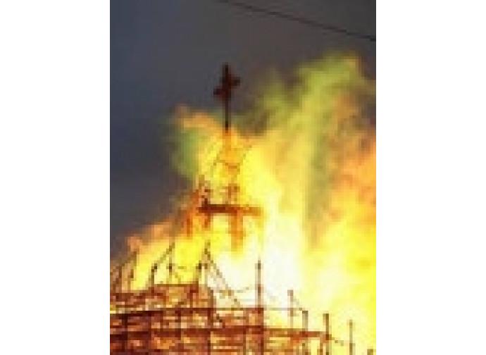 Tatarstan, rogo di una chiesa