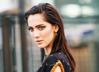 Campagna Chanel con modello trans