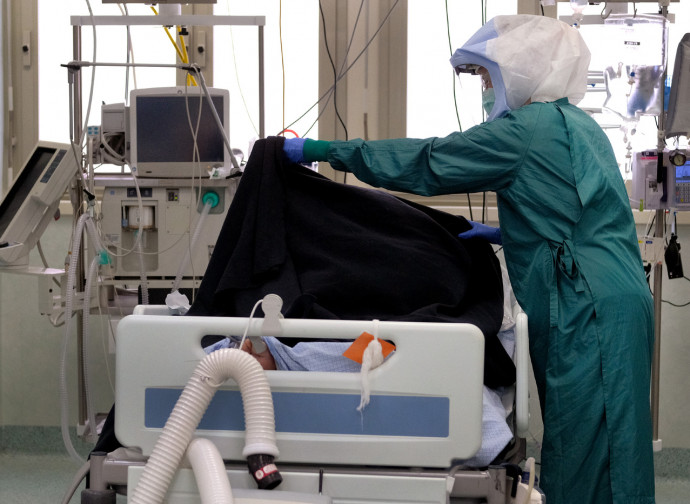 Reparto di terapia intensiva al Policlinico di Roma