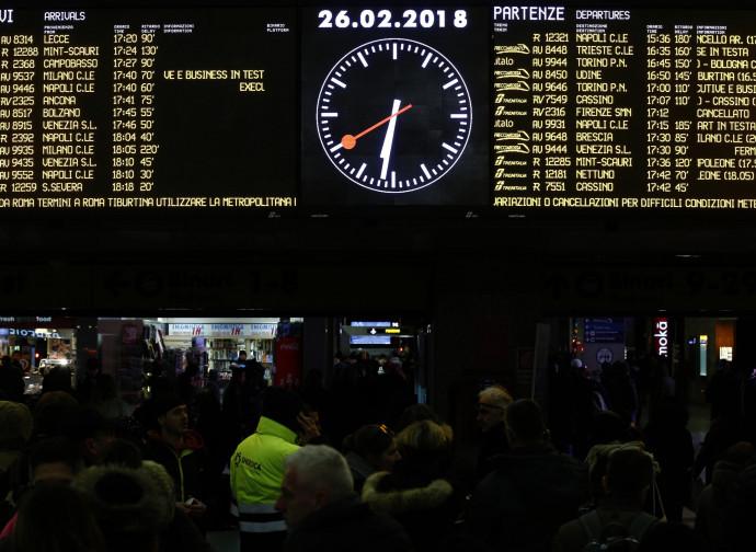 Roma Termini nel caos dei ritardi