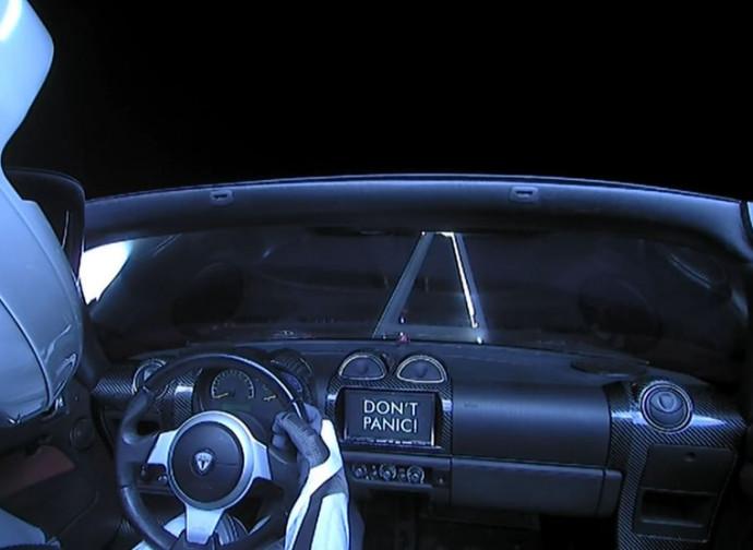La Tesla lanciata nello spazio dal Falcon Heavy