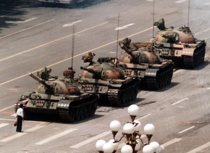 La foto simbolo degli eventi di piazza Tienanmen
