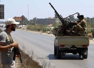 """A Tripoli è un golpe di islamici e trafficanti """"affamati"""""""