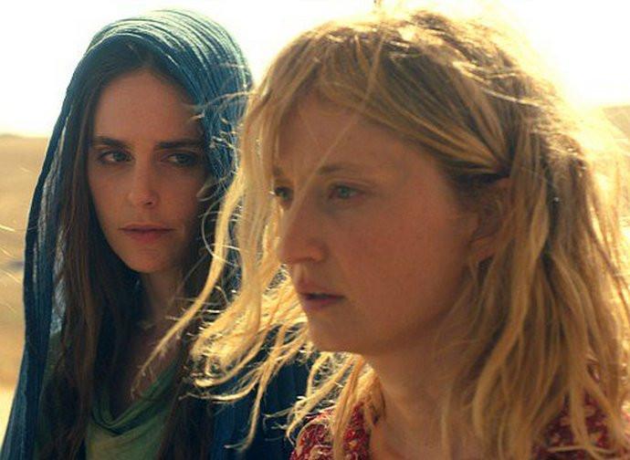 """Alba Rohrvacher (a destra) in """"Troppa grazia"""""""