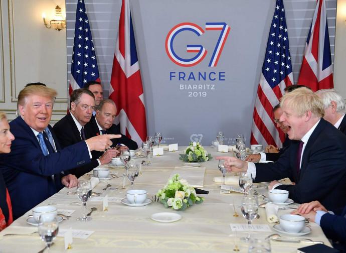 Trump e Johnson al vertice di Biarritz