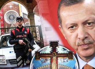 Turchia: Vietato pregare in chiesa
