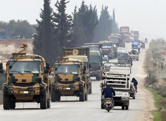 Convoglio militare turco a Idlib (Siria occidentale)