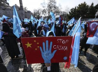 Cina, guai a denunciare la repressione degli uiguri