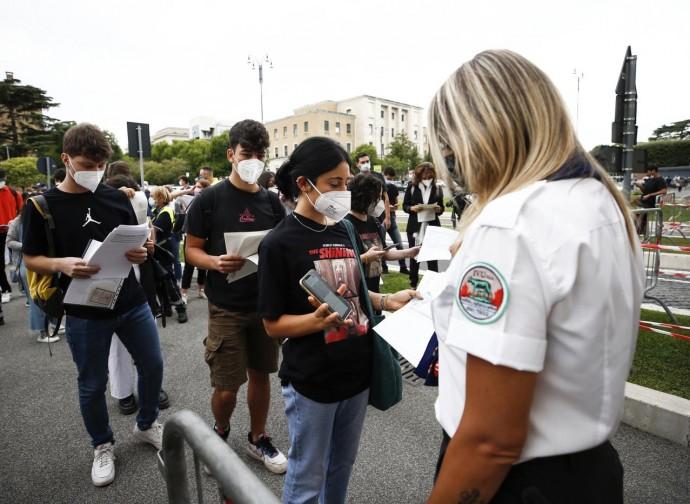 Controllo del green pass all'università La Sapienza di Roma