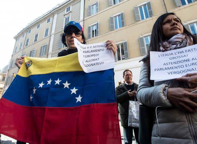 La protesta dei venezuelani a Roma
