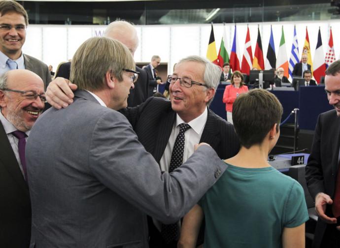 Verhofstadt (a sinistra) e Juncker