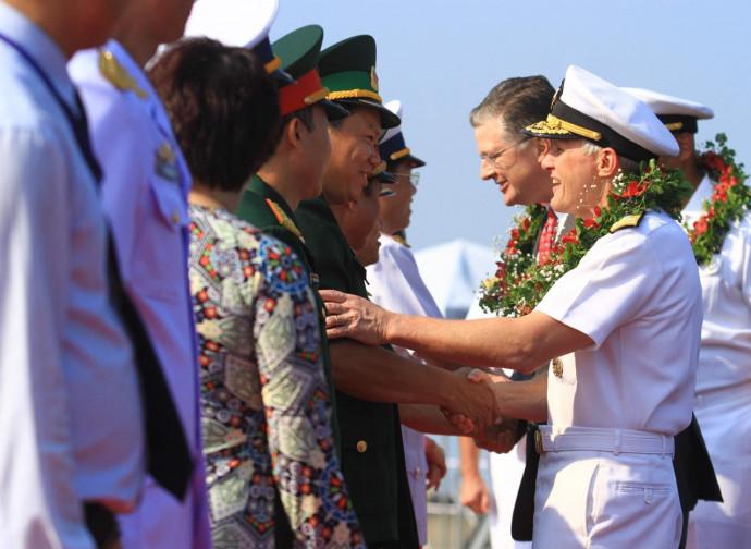 La visita della USS Carl Vinson in Vietnam