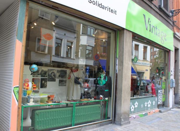 Un negozio di abiti vintage di Oxfam