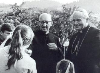 Leader Lgbt, era la spia comunista che tradì il prete amico di Wojtyła