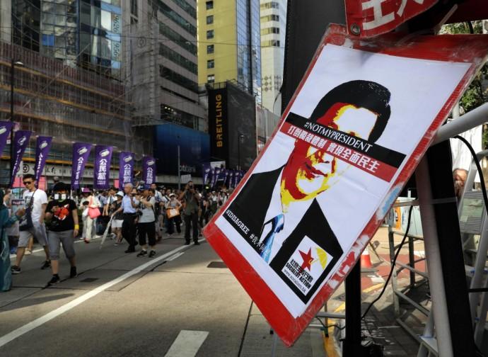 Manifestazione di protesta contro Xi Jinping (nel 2018)