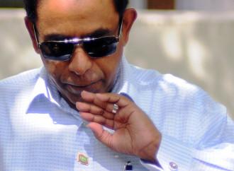 """Maldive: golpe e contro-golpe nel """"paradiso"""" islamico"""