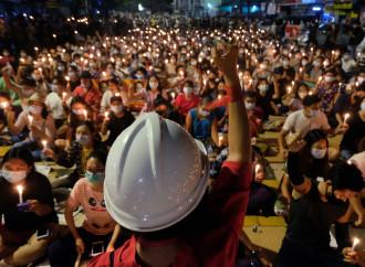 Myanmar, i democratici si rivoltano contro la Cina