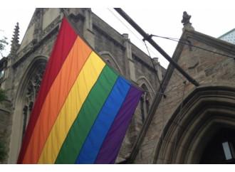 Linciato il vescovo che offre aiuto agli omosessuali