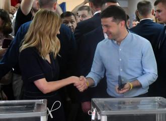 L'Ucraina conferma Zelensky, populista che dà speranza