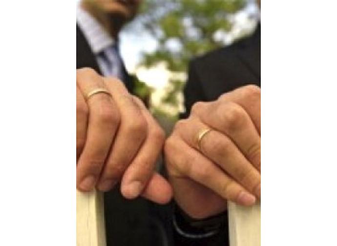 Unioni gay: Rai e Renzi violano le regole